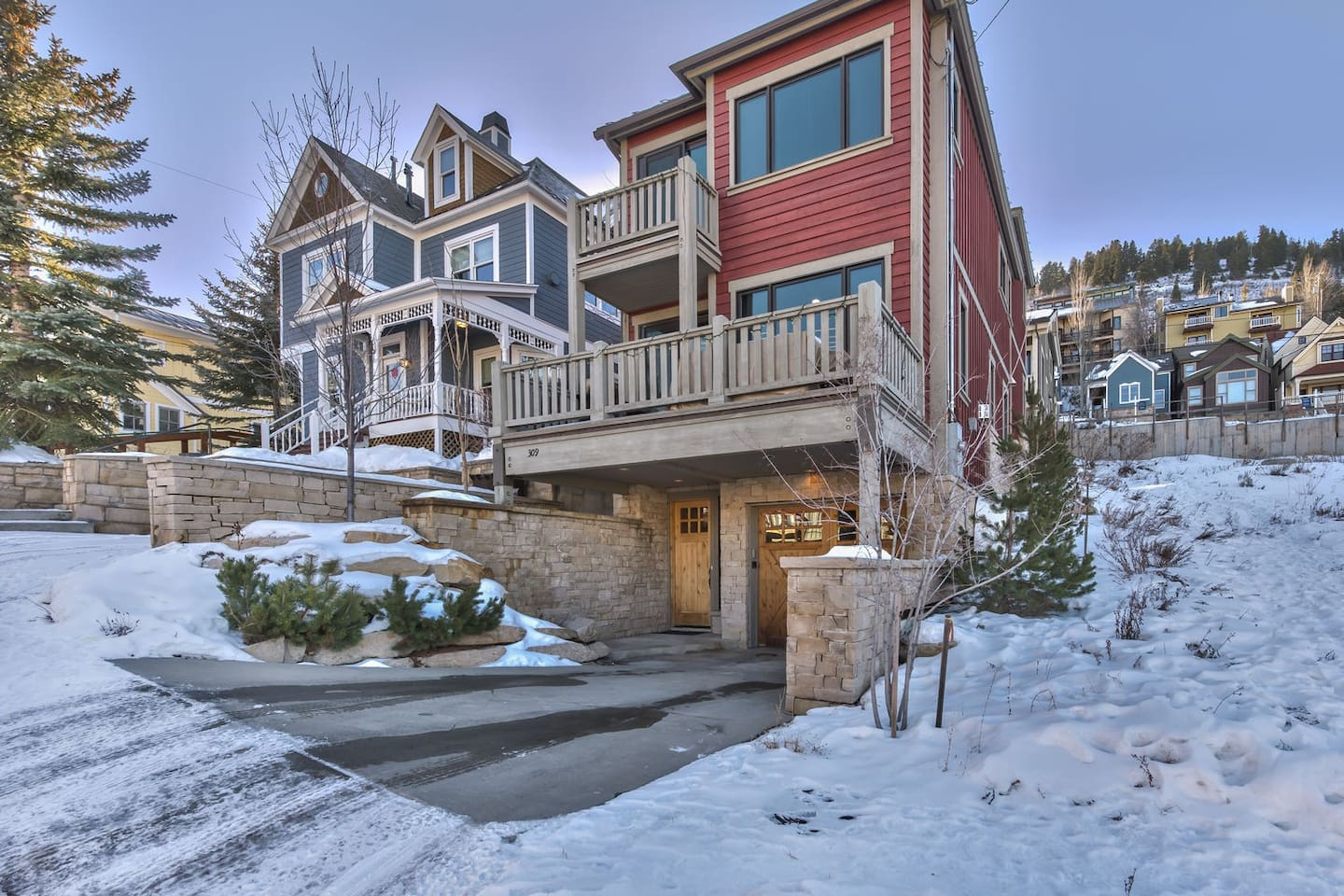 Park City Old Town Manor - 4 Bedroom Park Avenue Retreat - Walk to Ski and to Main Street!