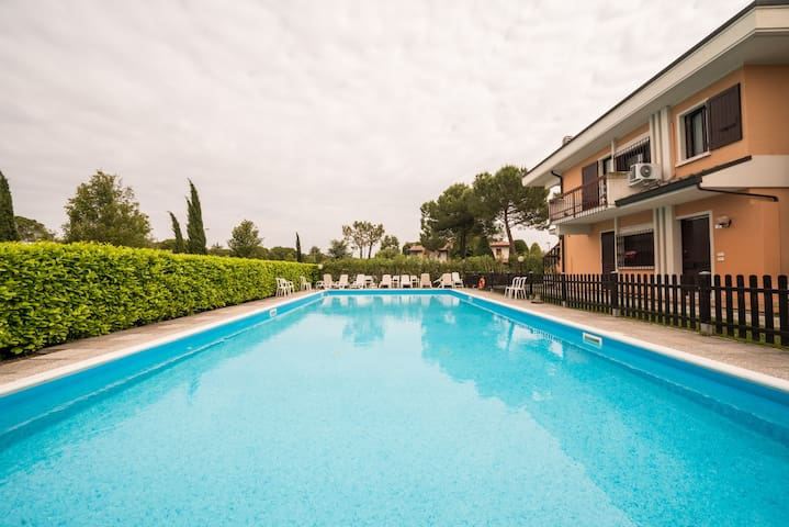 Bright Apartments Sirmione - Sorgente Pool 16