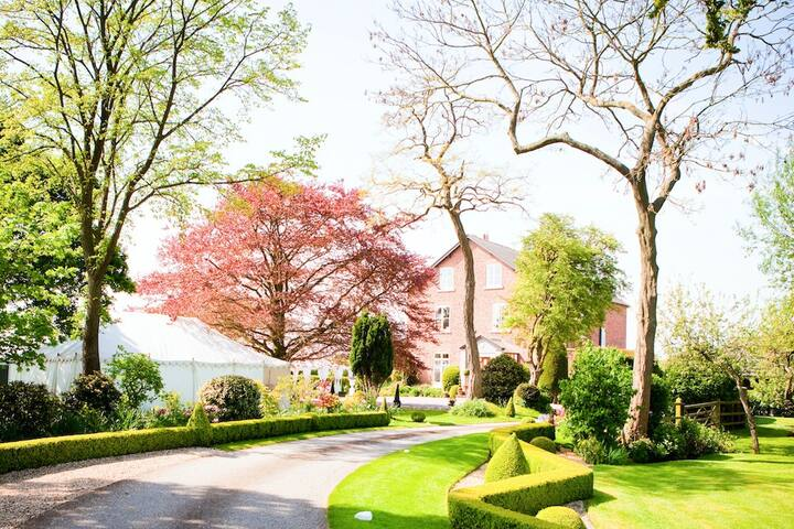 Golborne Manor, B&B, Chester, Room 4