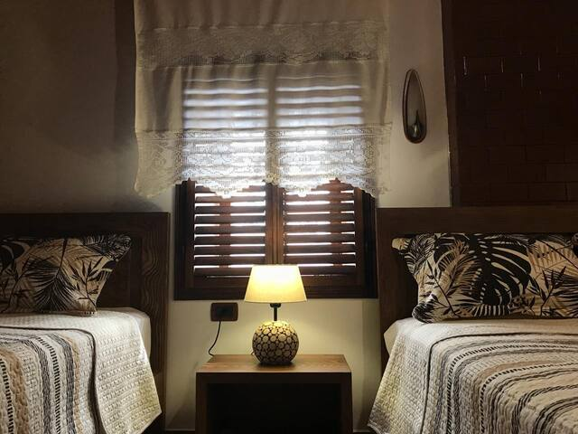 "Room in traditional homestay-Guesthouse ""Arjani"""
