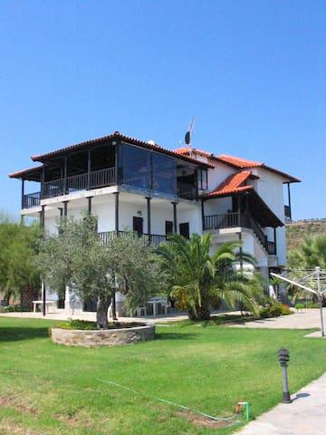 Appartement direkt am Strand - Agios Nikolaos - Nyaraló