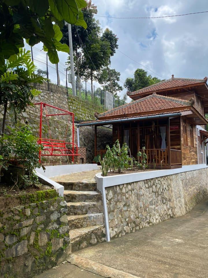 Villa Pangalengan Kia Ora Lodge - Villa Amaryllis