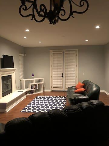 Comfy & Spacious get away(LA/Ontario) - see pics!