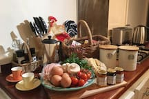 At Wild Orchid Olinda cottage you will enjoy generous Breakfast provisions of local fresh produce.