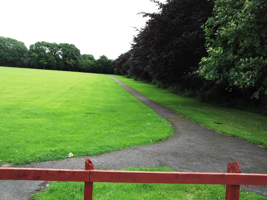 The Ard na Lí field is a nice relaxing walk that is a 1 minute walk from our house. It is perfect for playing and walking in.
