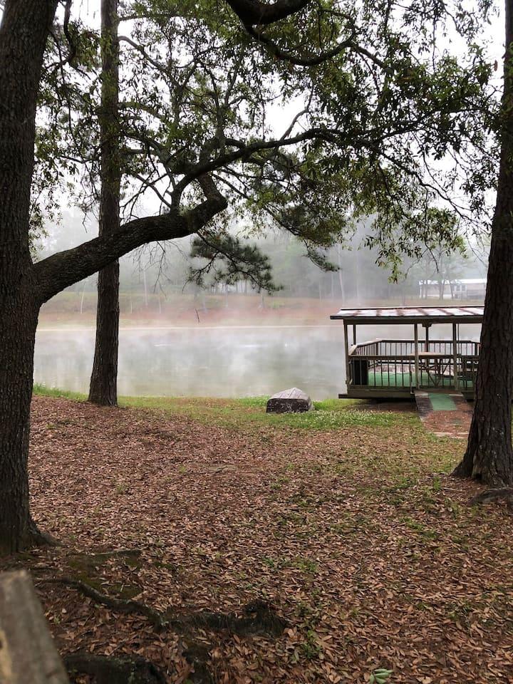 Lake cottage  25 miles east of Tallahasse
