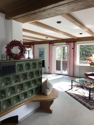 Großzügige, gemütliche Ferienwohnung,großer Balkon - Kempten - Apartment
