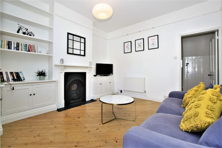 Charming Victorian Townhouse in the Centre of Bury