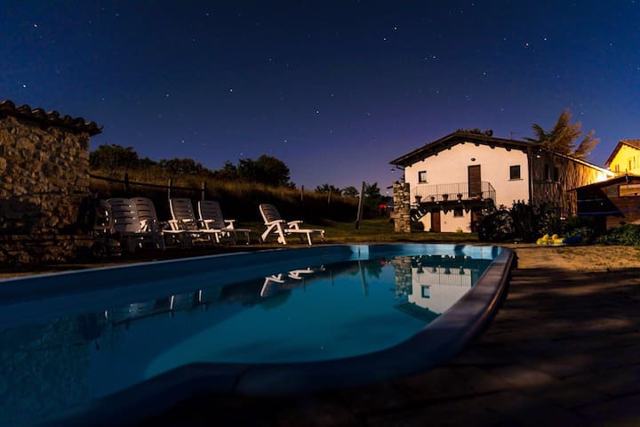 casa con panorama e piscina  - Sellano - House
