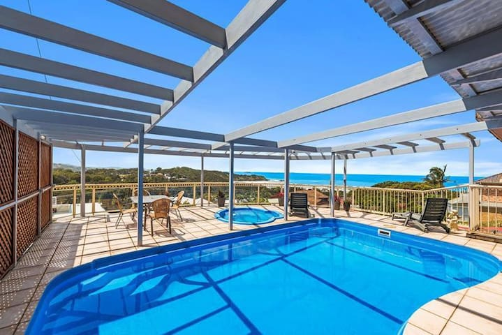 Magnificent ocean views, pool, looking to relax?