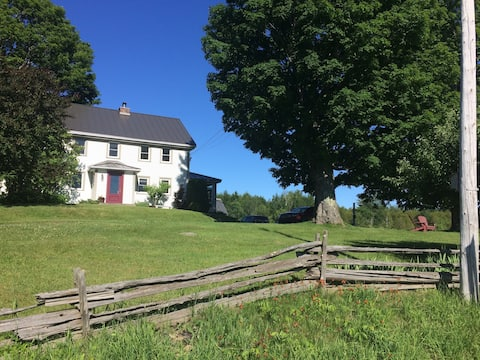 Chambre du Merlebleu -Historic 1700's farmhouse