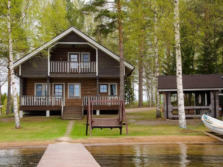 Kurki, a luxus cottage on the lake