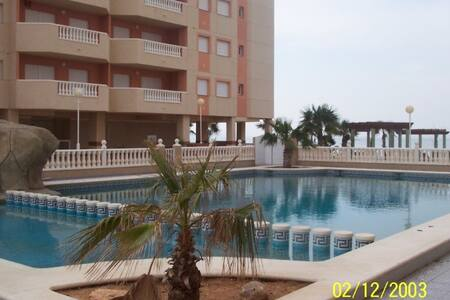 Apartments on the beachfront. Ref.isla grosa-45
