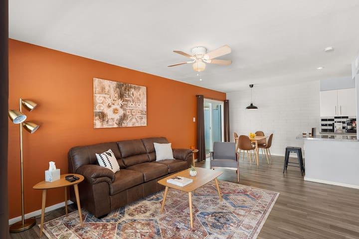 Spacious 1 BR Apartment  in Tempe   Bluu Door
