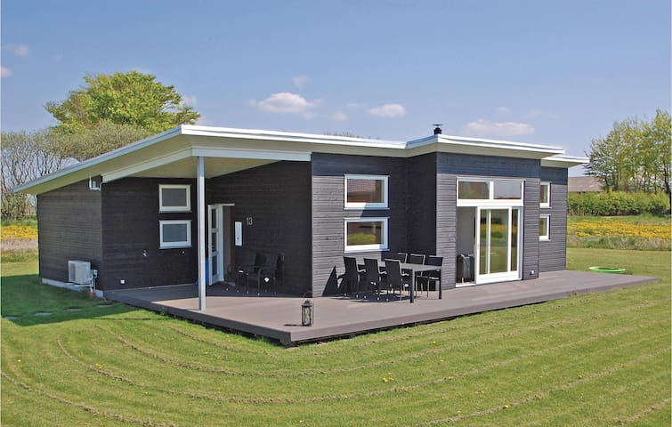Holiday cottage with 4 bedrooms on 115m² in Haderslev