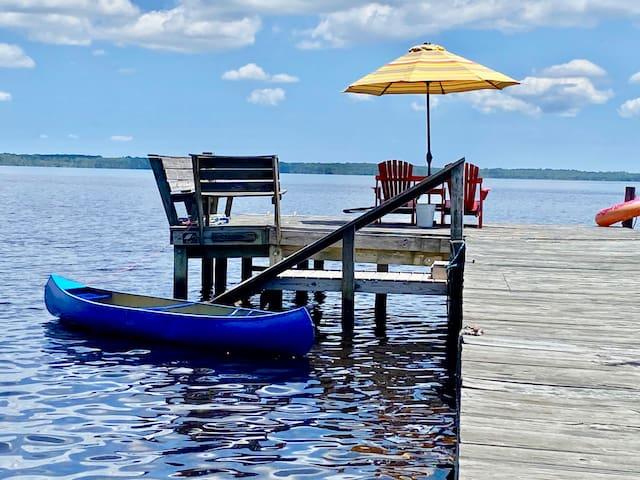 Postcard Worthy Riverside Retreat! Waterfront!