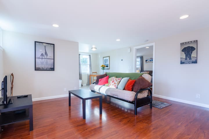 Full 1BR 1BA Apt in San Jose; Private Entrance