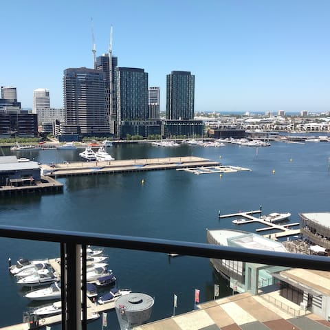 Amazing views in a great location! - Docklands - Wohnung