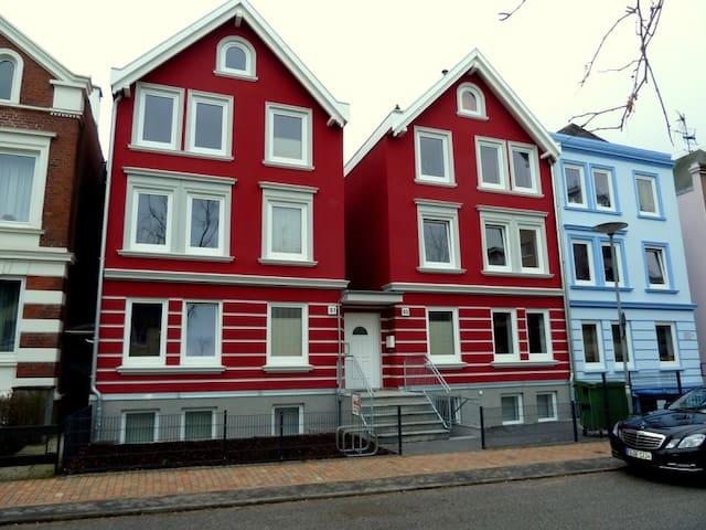 """My-Bed Appartementhaus """"Steinrader Weg I"""" - Lübeck - Apartment"""