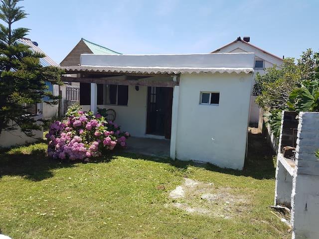 Casa 20 metros de la playa - Aguas Dulces - Ház