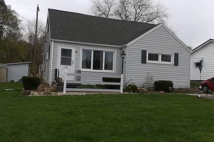 Cozy family home close to Grove City College