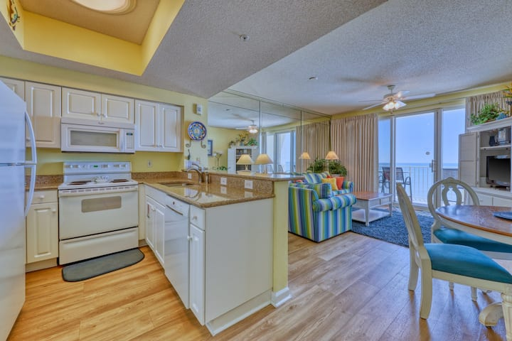 Cozy condo located right on the Gulf w/ free WiFi, shared, heated pools, & more!