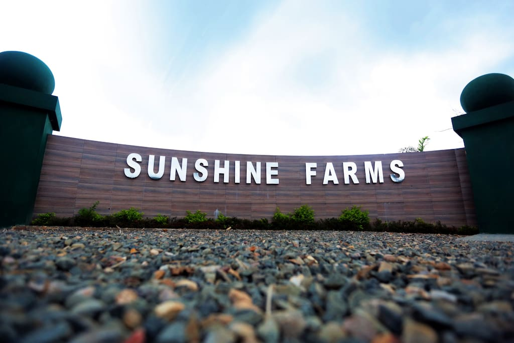 Sunshine Farms And Resort Main Gate