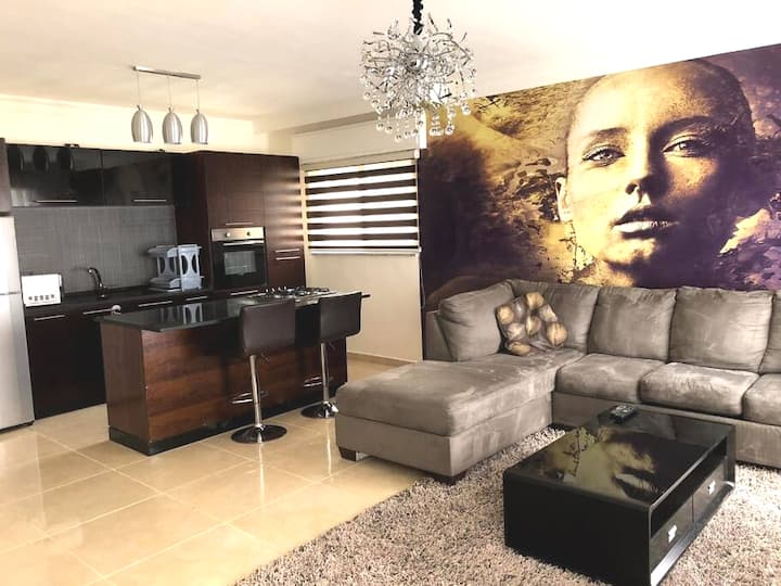 Stylish 2 bedroom apartment in luxurious location