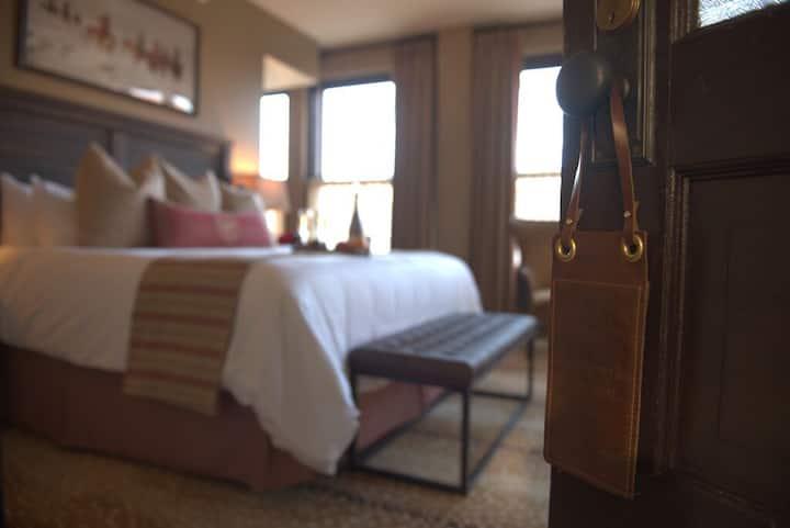 Osage King Room