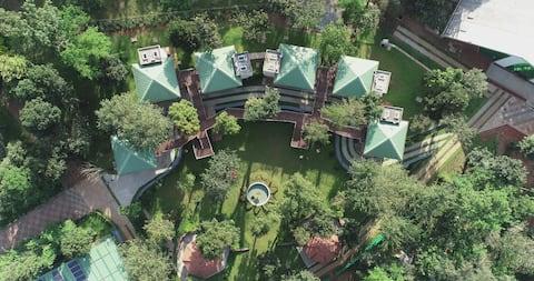 Honeydewwz Exoticaa Hotel & Resort(Heritage)