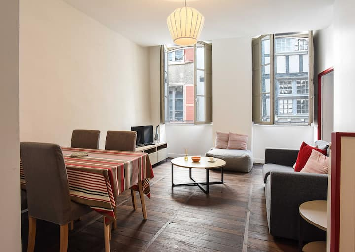 Accomodation in the heart of Historical Bayonne ..