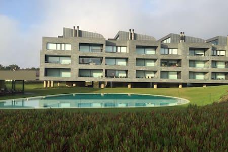 T2 piscina,salão jogos, 100mtspraia - Esposende - 公寓