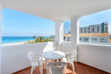 Amazing sea view apartment in Playa den Bossa GI