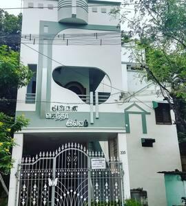 New Luxury House Near Ramana with AC & WIFI