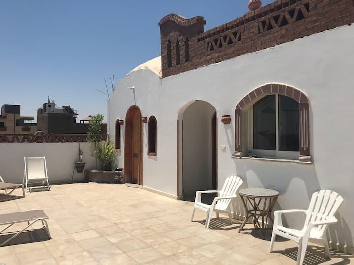 Hibiscus Casa Blanca Luxor, big roof top terrace