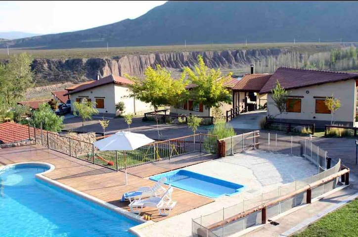 AGUILAS DE PIEDRA (Cabaña para 4 personas)