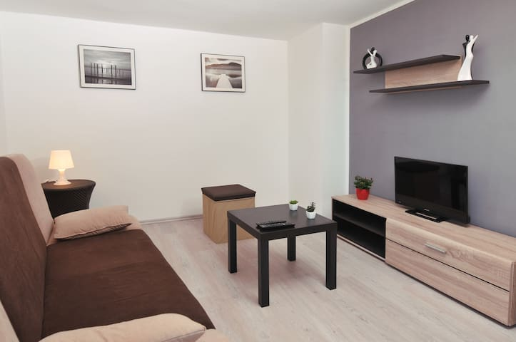 Recently renovated apartment  4 + 1 - Pula - Pis