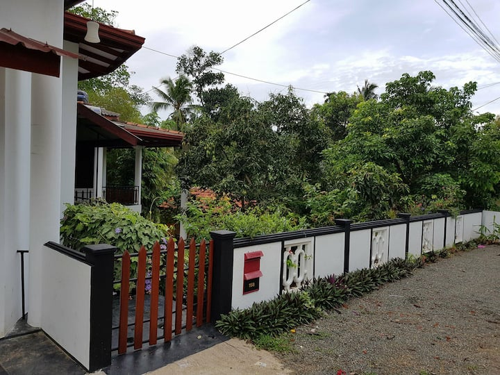 Home stay Hapugala with Amazing Garden