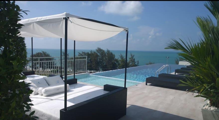 Sea view apartment at Mae Phim.