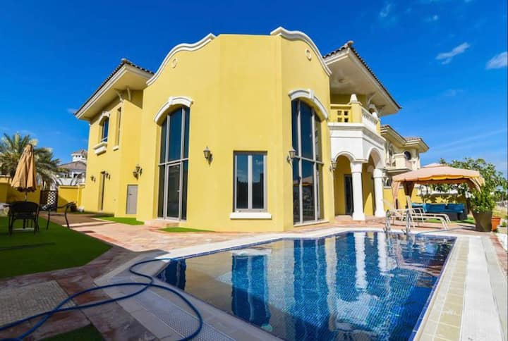 Private 5 BR villa in the  Palm Jumeirah.