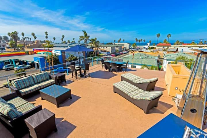 25% OFF NOV - Condo in the Heart of OB w/ Rooftop Deck & Ocean Views!