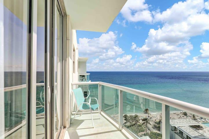 Penthouse on the Ocean / Apartamento en la playa