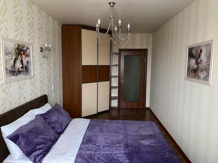 Квартира на центральной площади с отдельной кухней