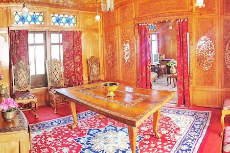 Nigeen Heritage Houseboats - Srinagar