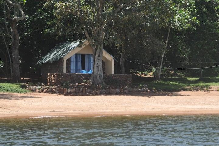 Banda Island - Beach Cabin (Herbert)