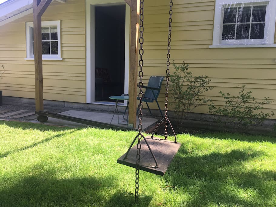 Old fashioned swing seat. Much kinder on the hips.