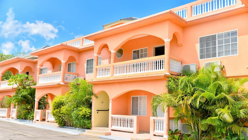 SeaView Apartments Negril,Jamaica - Two bedroom II