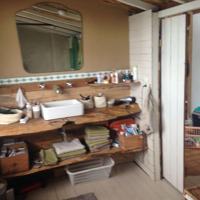 salle de bain chambre 1 / bachroom bedroom 1