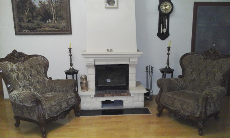 Дом в Молдовке - Moldovka - House