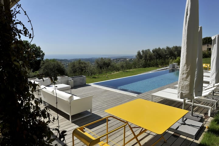 Luxury Five Bedroom Villa in Vence